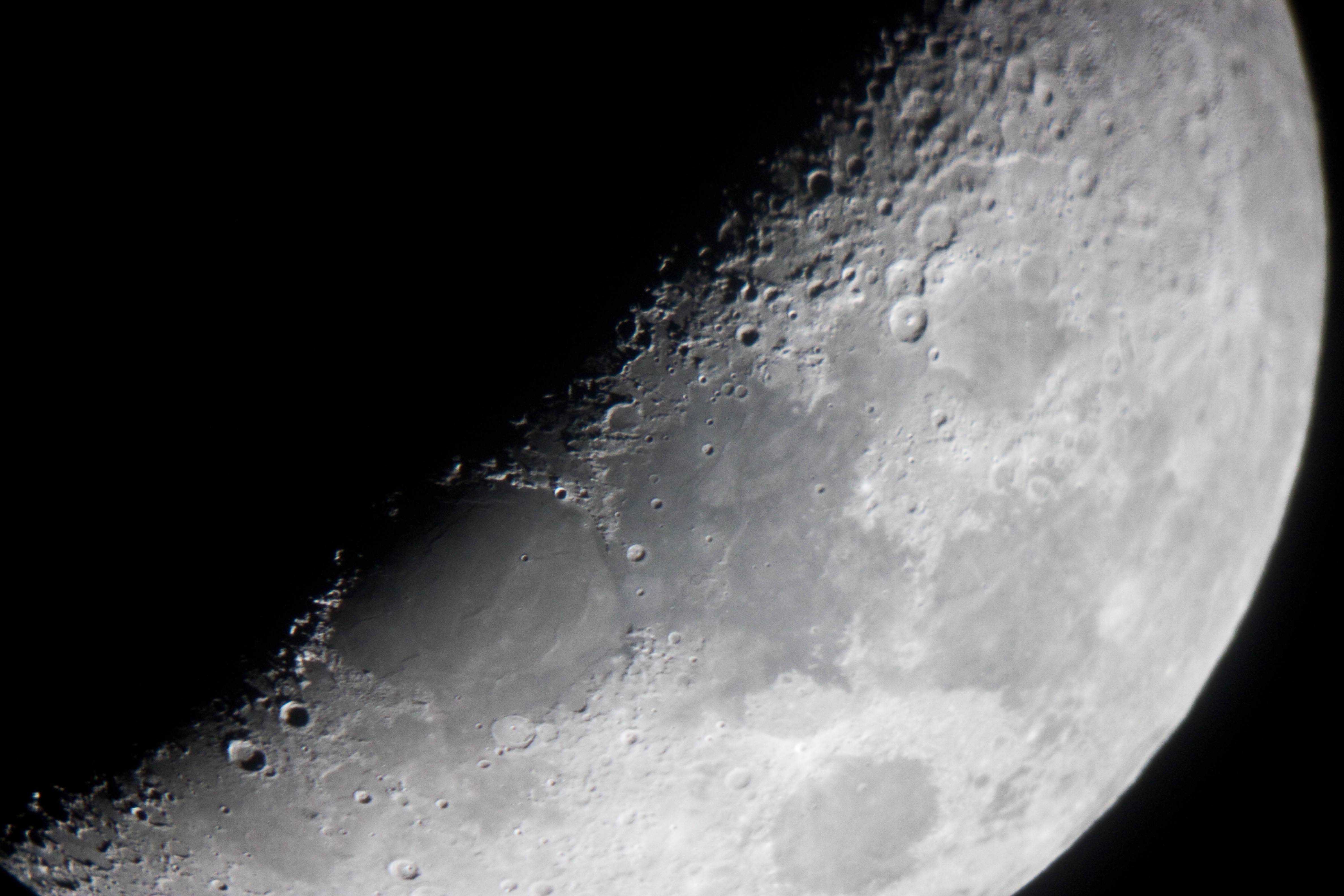 20160214 The Moon Simon AllenIMG 5773