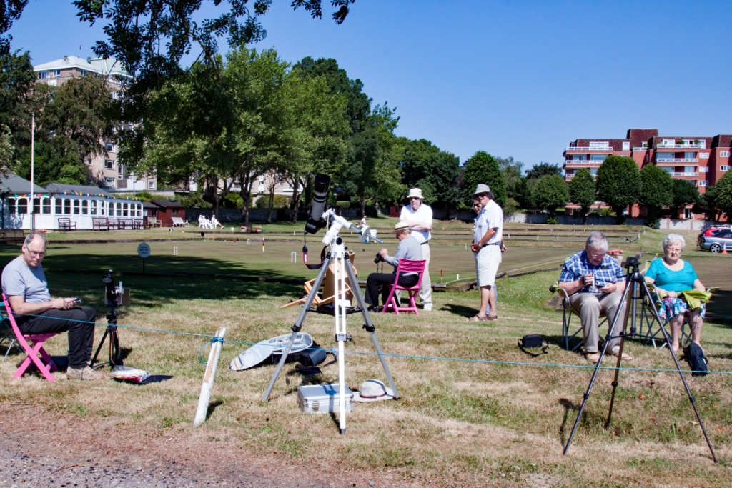 20180630 18 Bob, Simon, Ronald, Ann, Roger, Barry and Jean observing the ISS at Compton Croquet Club  IMG 0018lr